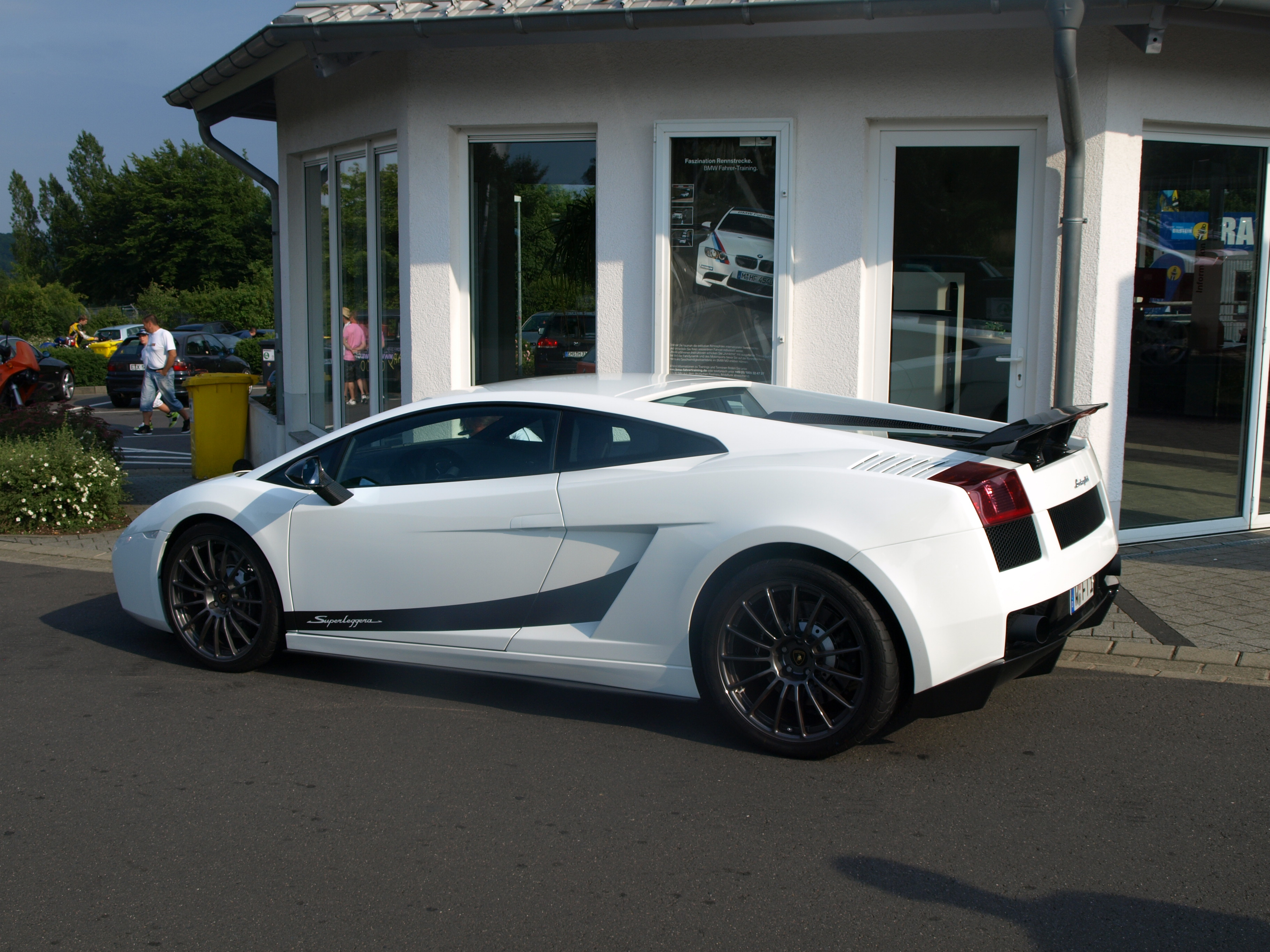 File:White Lambo Gallardo Superleggera rl.jpg