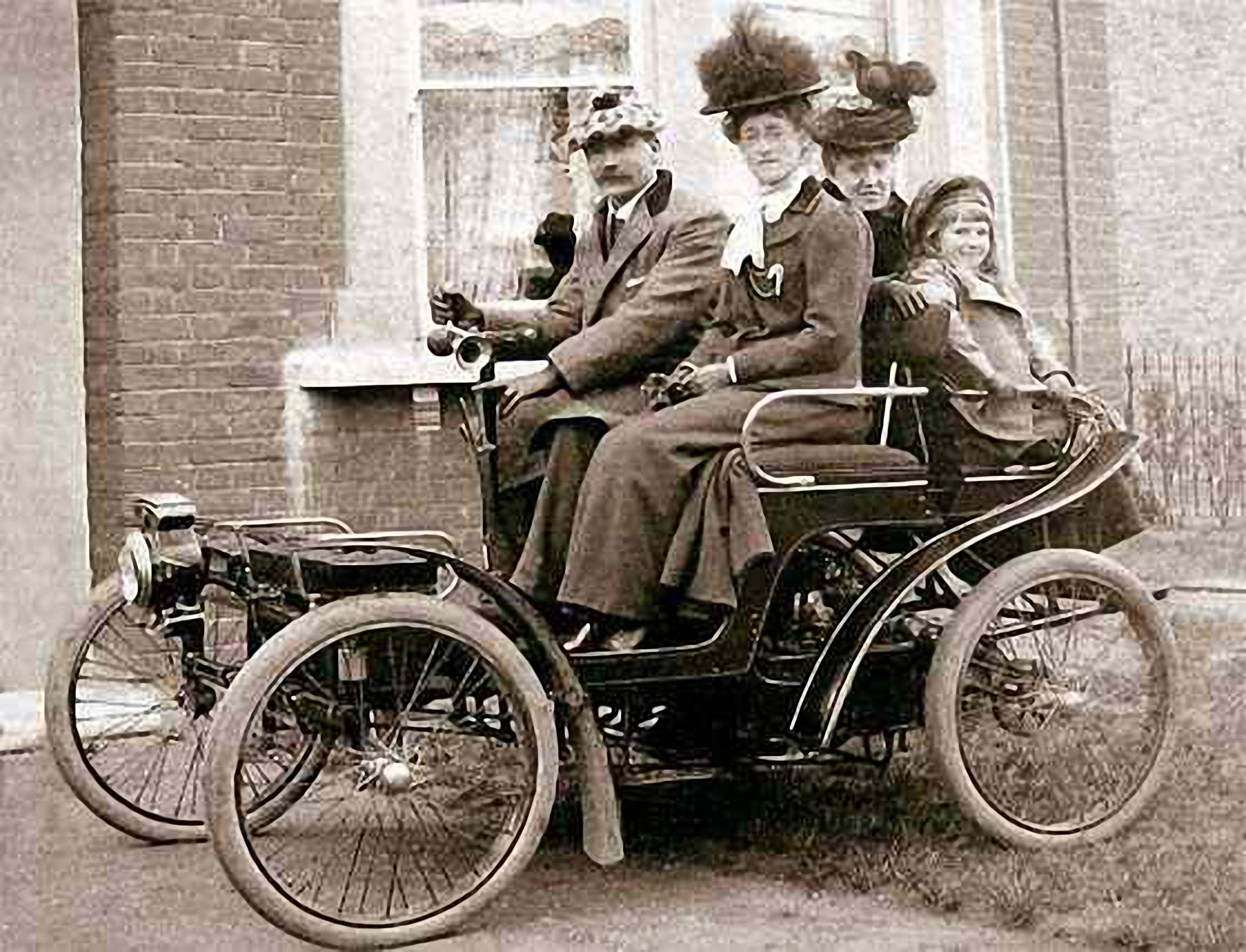 Ficheiro:1898 Decauville Voiturette.jpg – Wikipédia, a enciclopédia livre