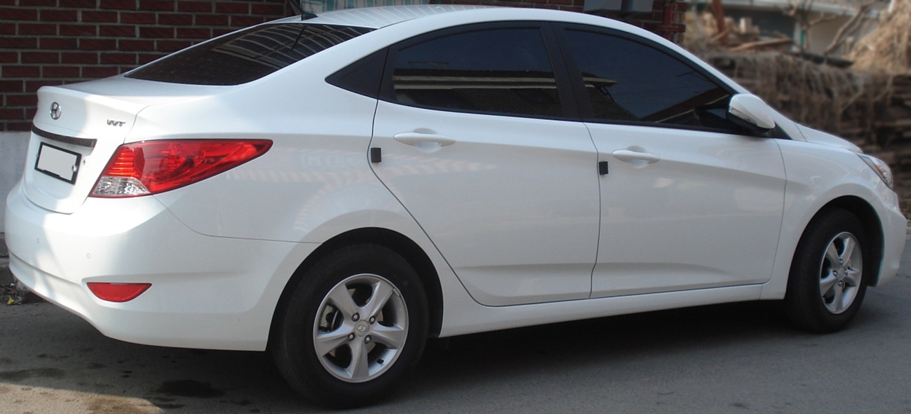 File 20110313 Hyundai Accent 2 Jpg Wikimedia Commons