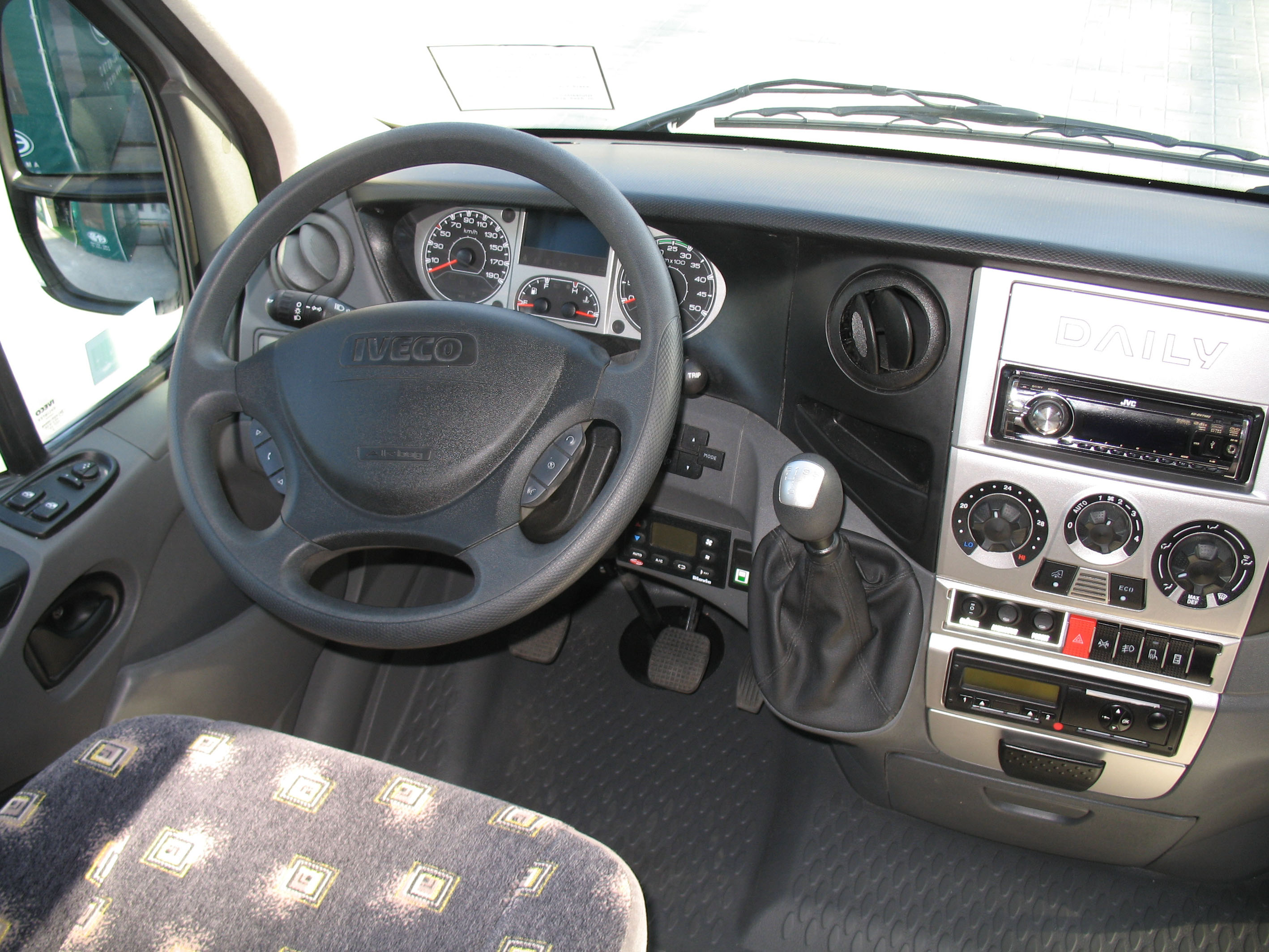 File:AMZ Iveco Daily - cockpit.jpg - Wikimedia Commons