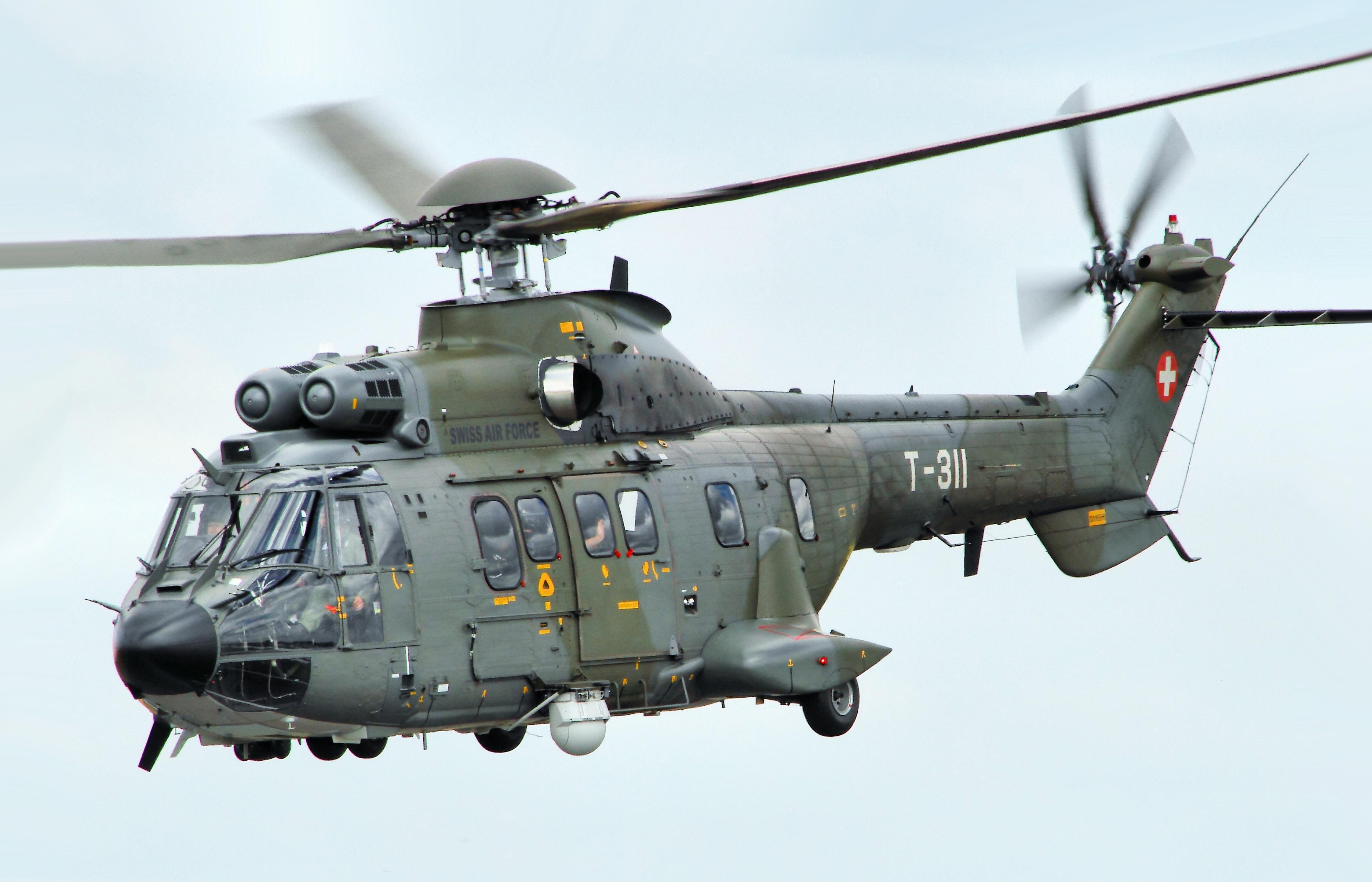 oscuro Plaga silencio  Eurocopter AS332 Super Puma - Wikipedia