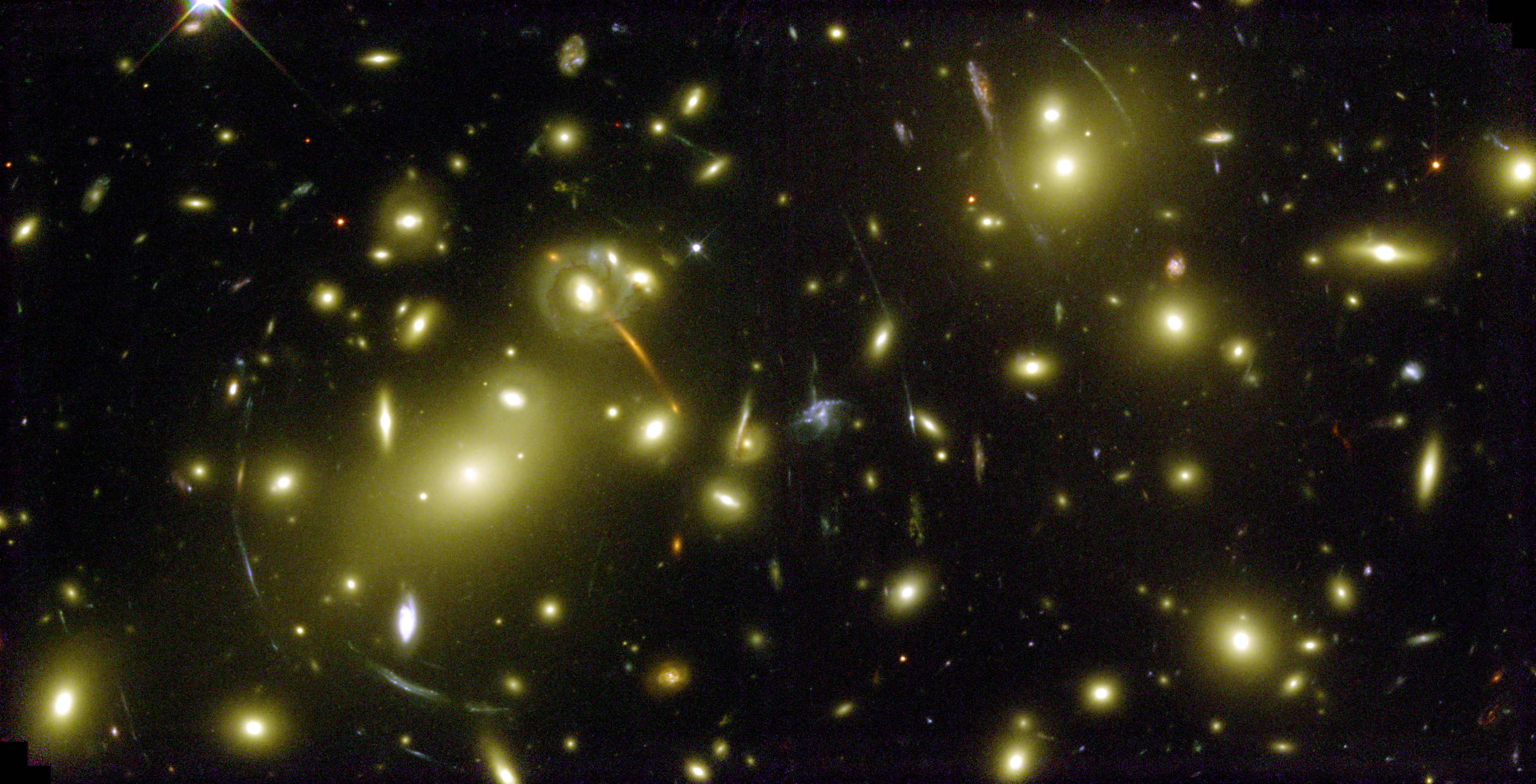 File:A Cosmic Magnifying Glass - Hubble Space Telescope