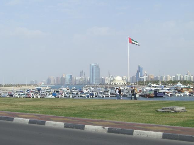 التعريف بالامارت العربية كبلد سياحي Abu_Dhabi_0701-0409.JPG