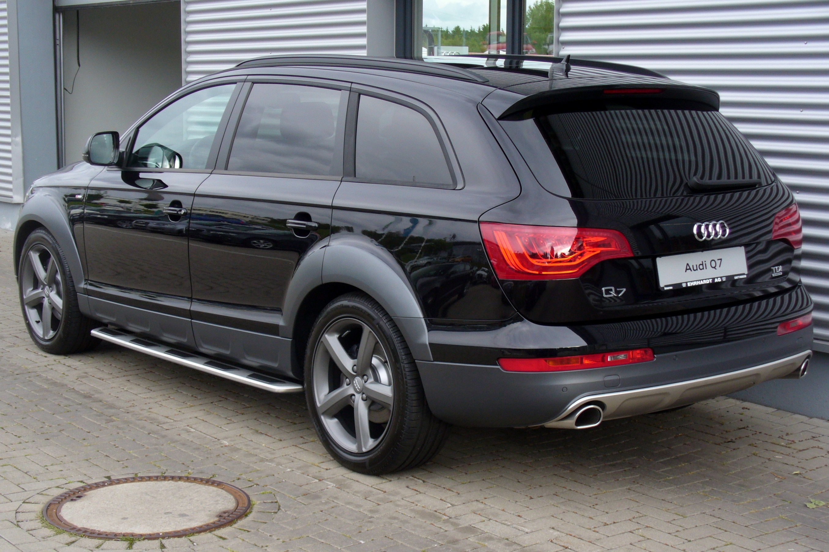 file audi q7 offroad style s line 3 0 tdi quattro tiptronic phantomschwarz heck jpg wikimedia. Black Bedroom Furniture Sets. Home Design Ideas