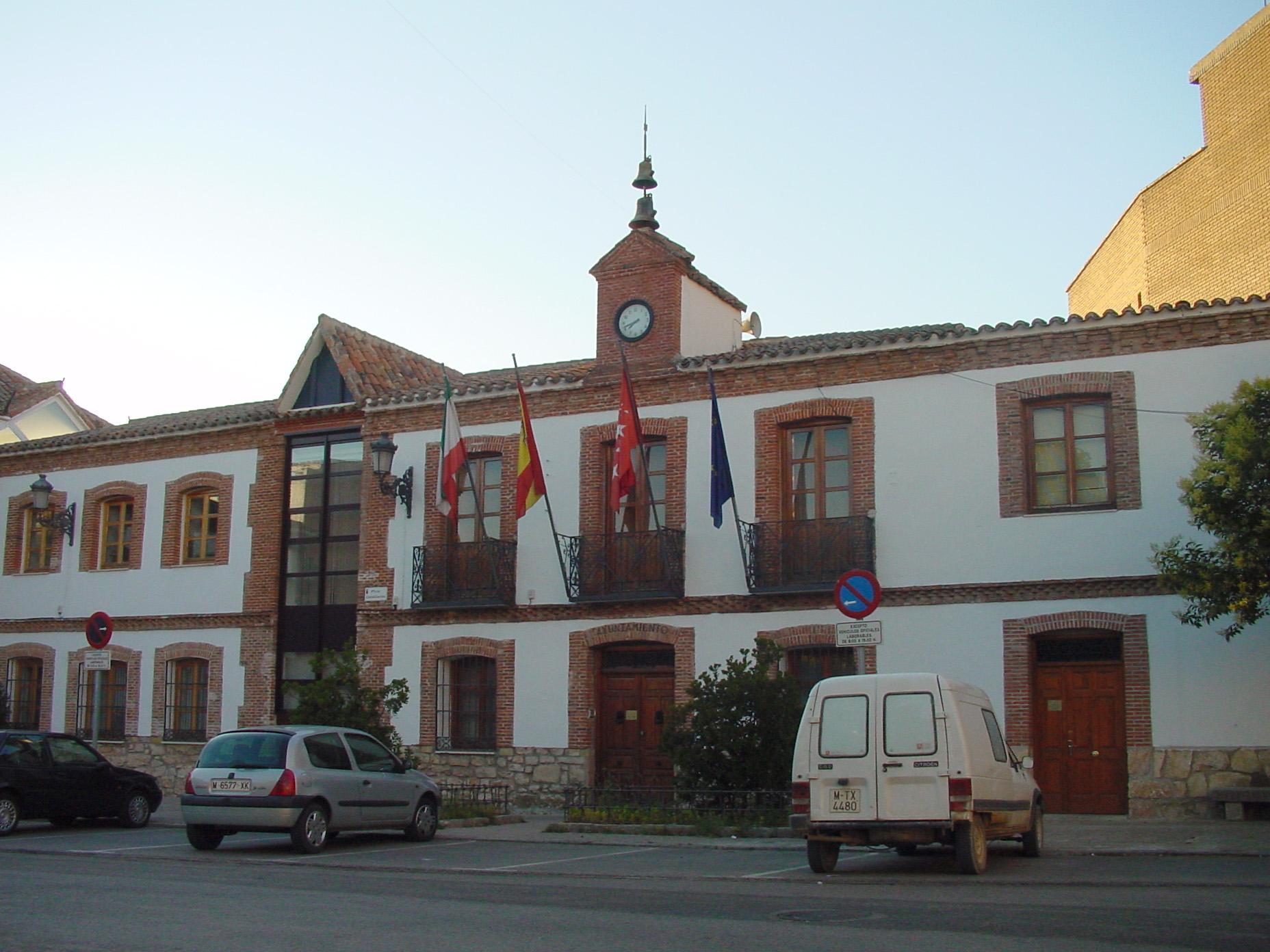 File ayuntamiento de san agust n del for Piscina san agustin de guadalix