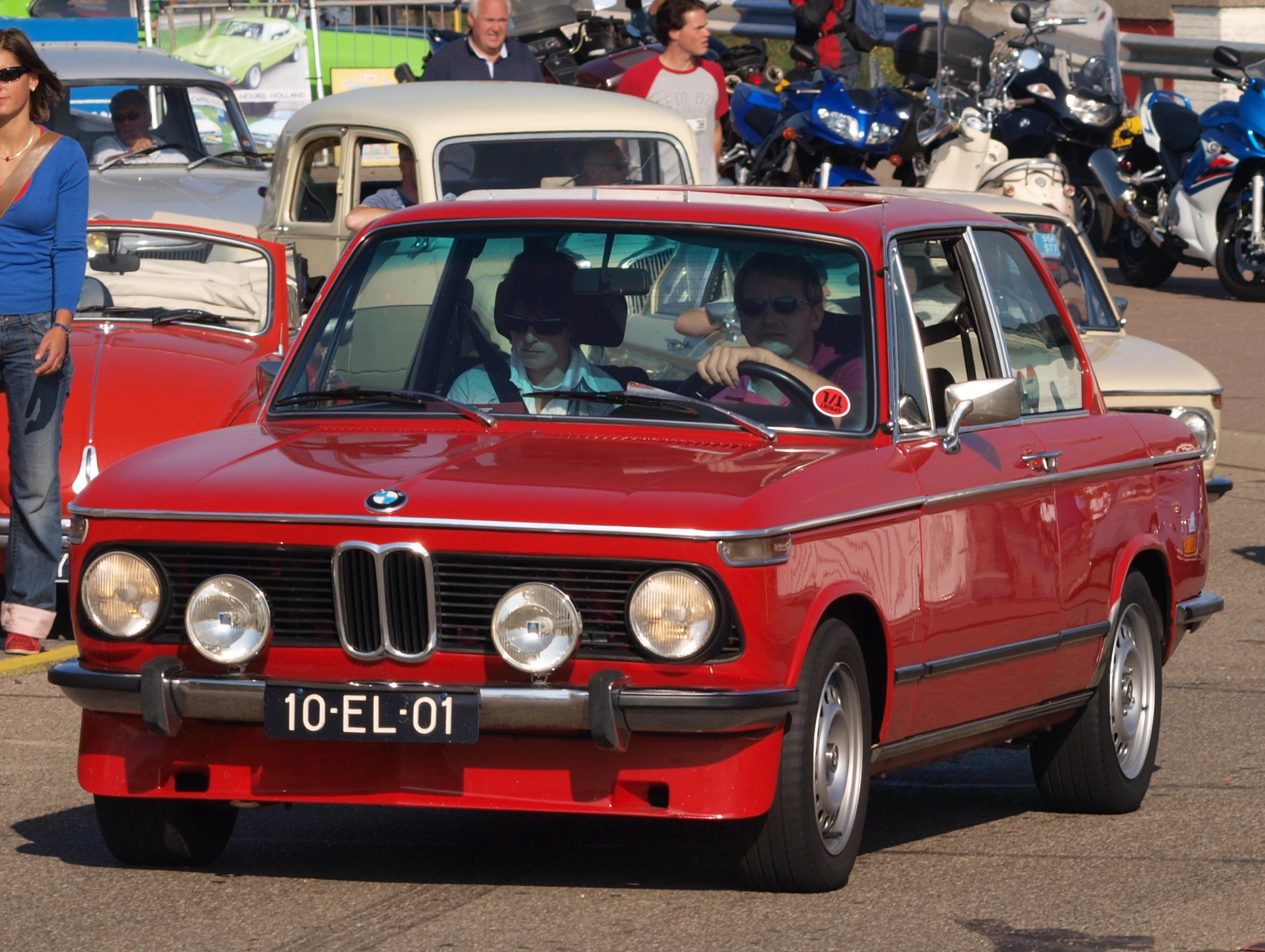 2018 - [BMW] Série 1 III [F40-F41] - Page 21 BMW_2002_TII_dutch_licence_registration_10-EL-01_pic4