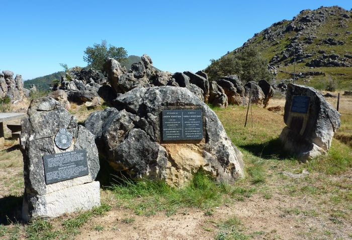 File bains kloof pass monument for Bainskloof pass