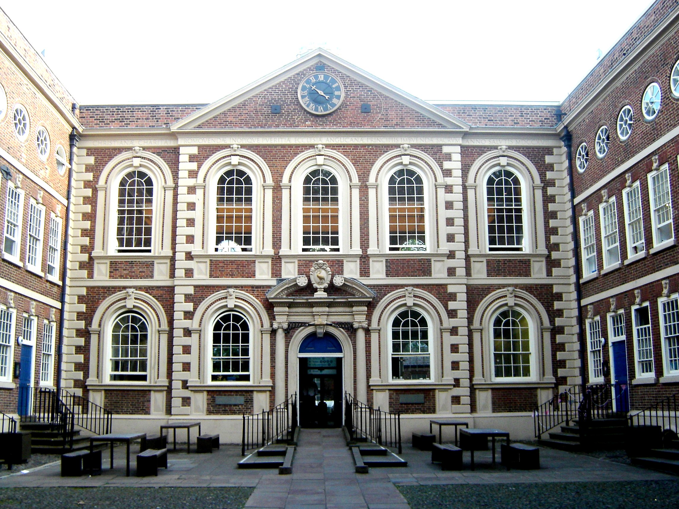 File bluecoat chambers wikimedia commons for English for architects