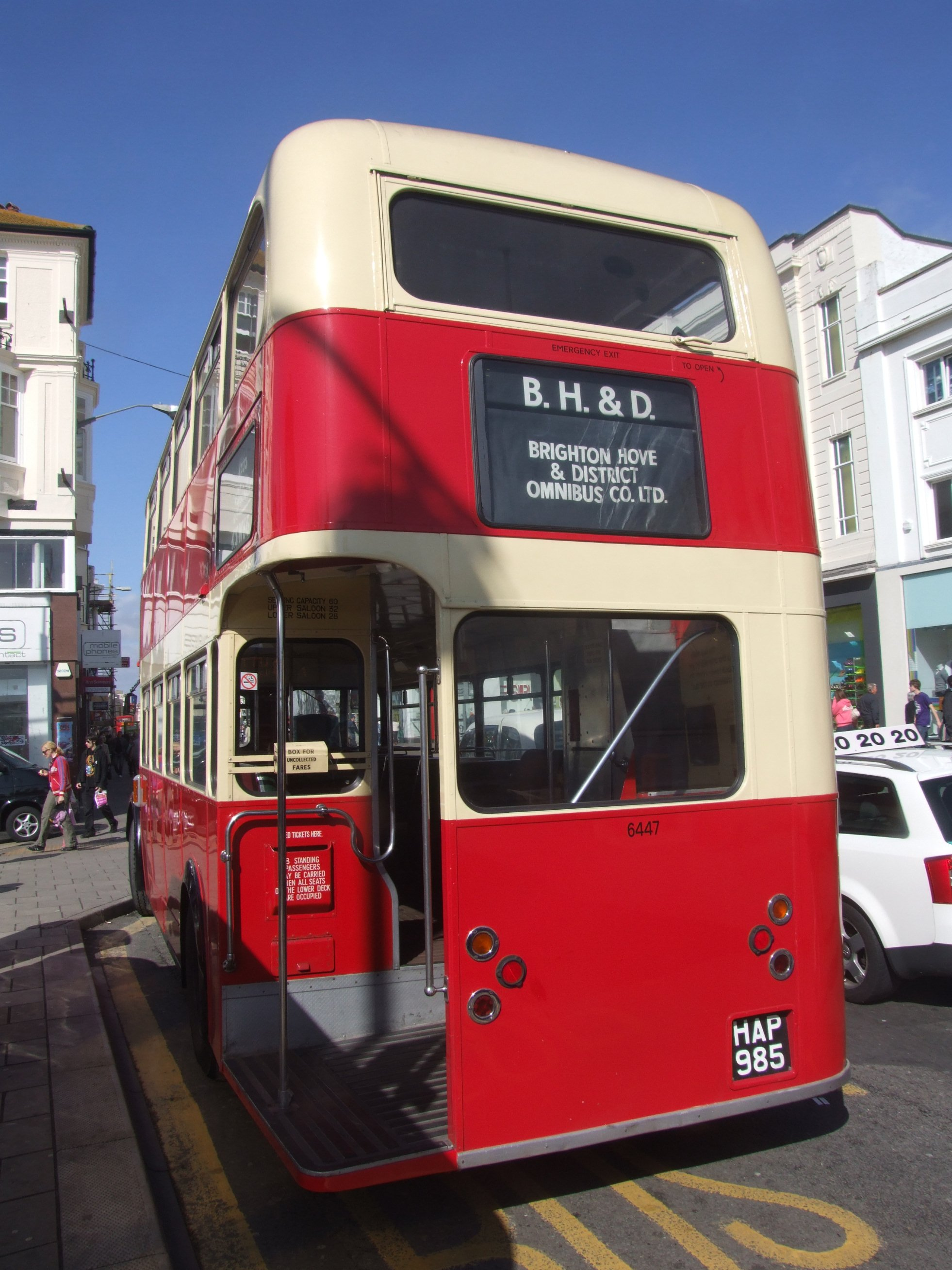 FileBrighton Hove Bus 6447 HAP 985 8 April 2009