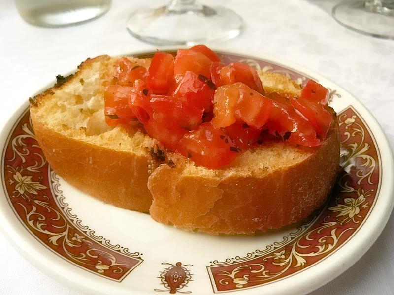 Bruschetta with Tomatoes-01