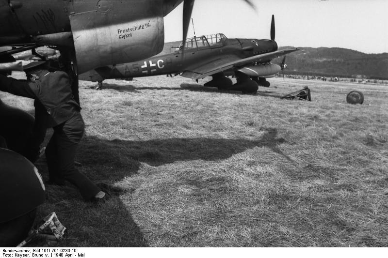 Bundesarchiv Bild 101I-761-0233-10, Norwegen, Flugzeug Junkers Ju 87
