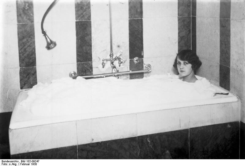 Bubble bath - Wikipedia