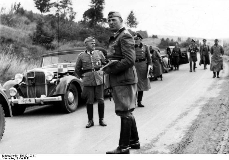 File:Bundesarchiv Bild 121-0381, Frankreich, Burgund, Dienstreise.jpg