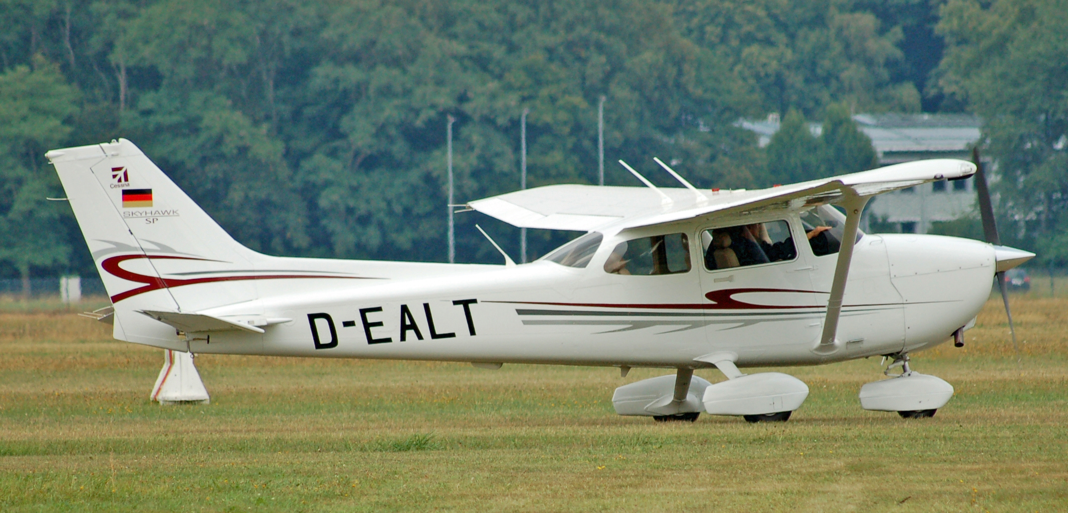 Pictures of a cessna English Essays for Children and Students - Essay Topics