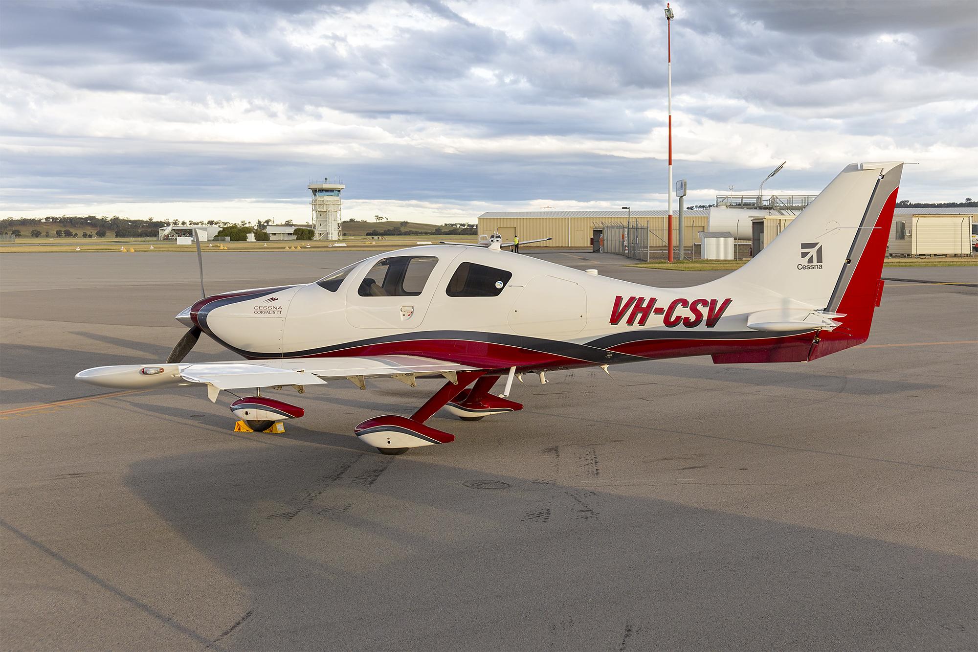 File:Cessna 400 Corvalis TT (VH-CSV) at Wagga Wagga Airport