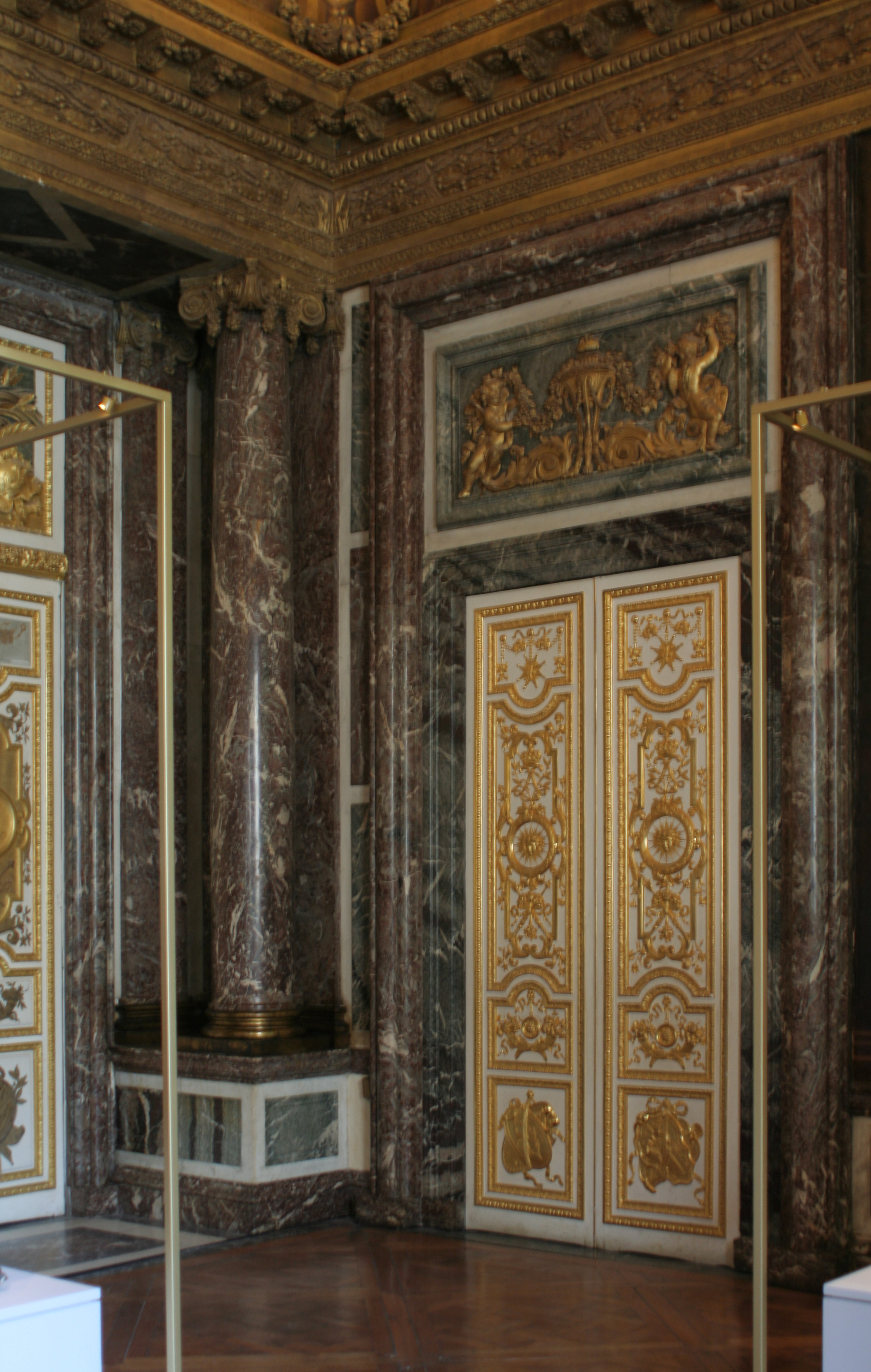 File ch teau de versailles salon de v nus porte colonne for Salon a porte de versaille