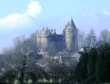 Fichier:Chateau-Combourg.jpg