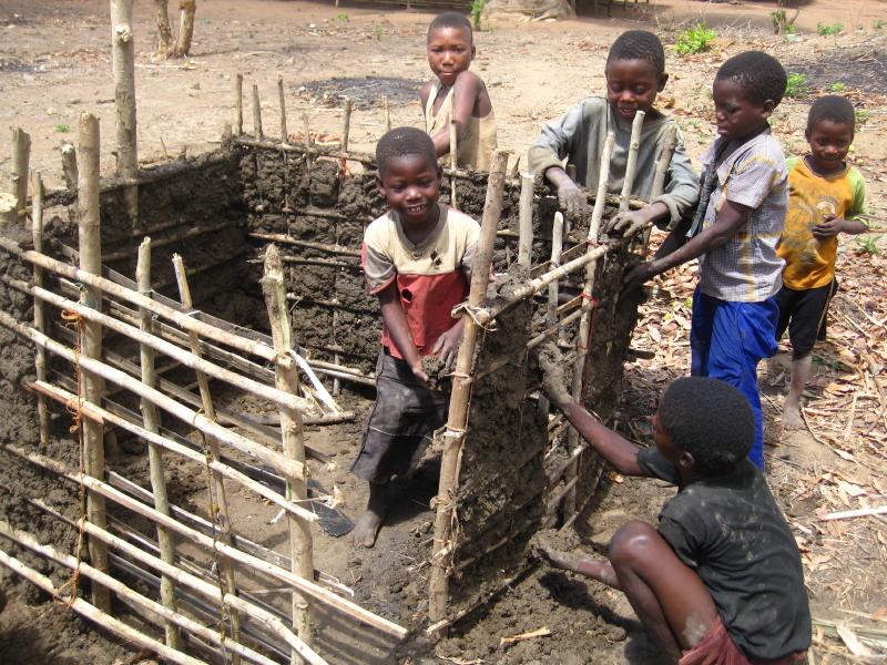 File:Children building a house (5209200364).jpg ...