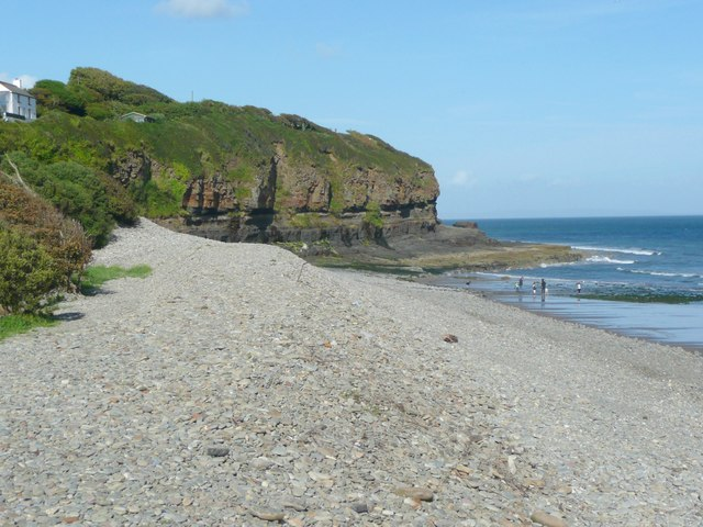 Cliffs, Amroth - geograph.org.uk - 956117