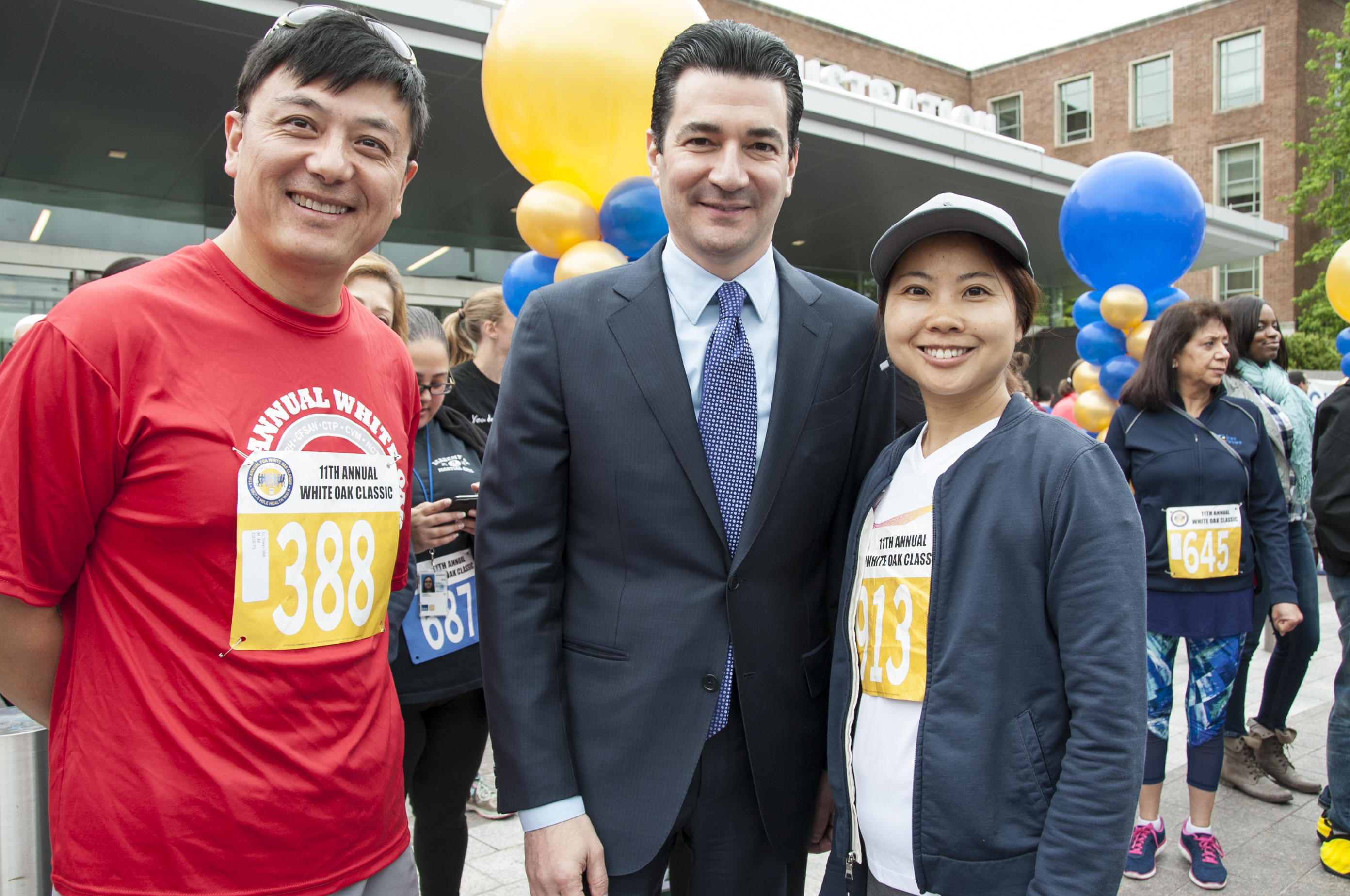 filedr scott gottlieb meets fda staff at 11th annual white oak classic
