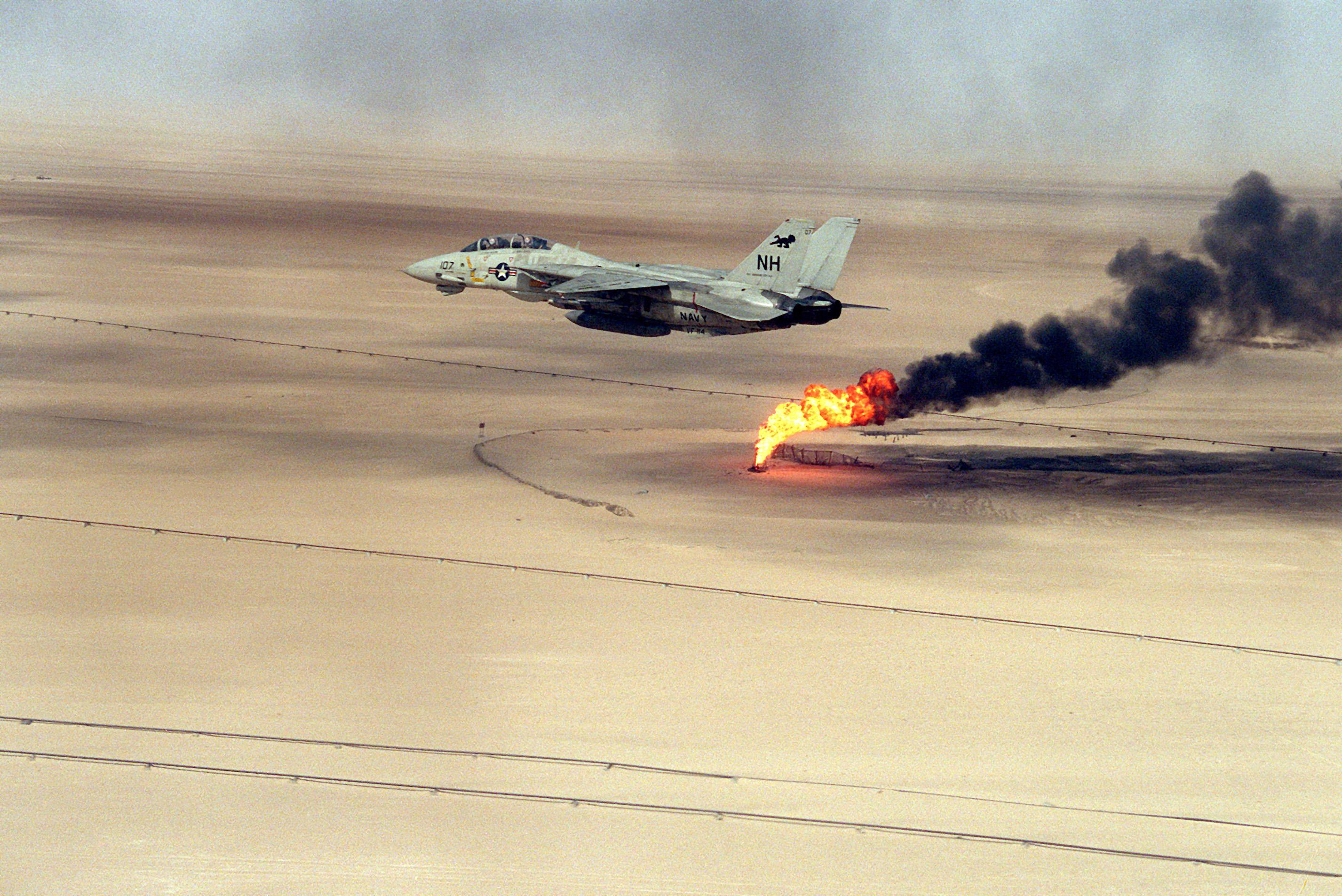 File F 14a Vf 114 Over Burning Oil Field Jpeg Wikimedia