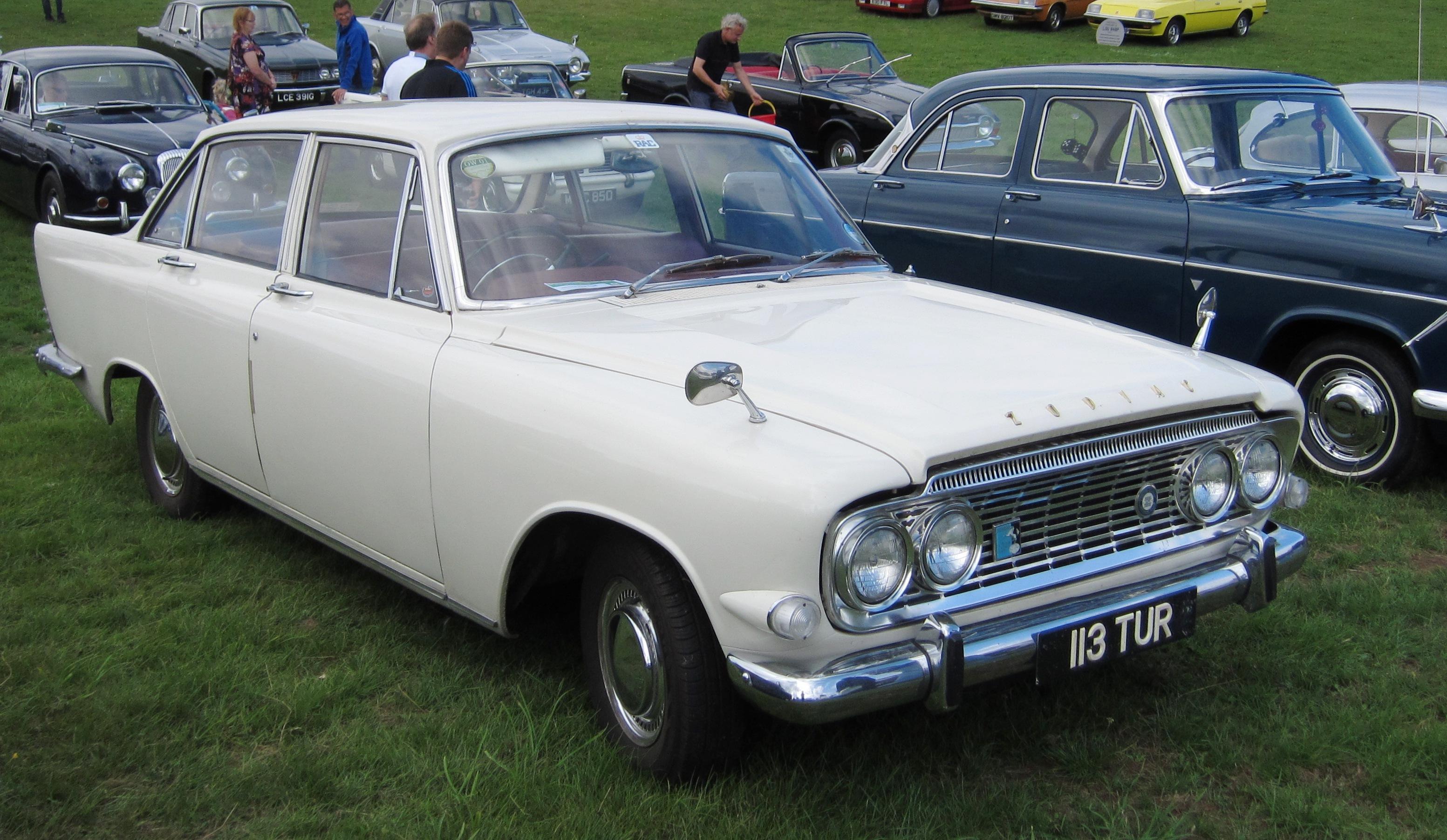File:Ford Zodiac Mk III 2553cc first registered September ...