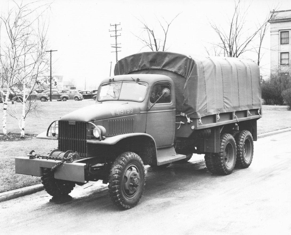GMC_2_Half-ton_6x6_Truck.jpg
