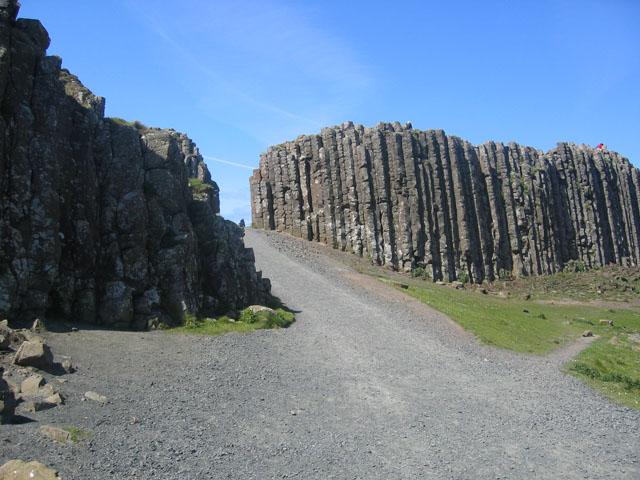 File:Giant's Causeway - geograph.org.uk - 86848.jpg