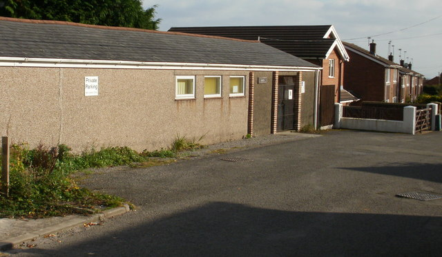 File:Graig Vue Hall, Upper Cwmbran - geograph.org.uk - 1639539