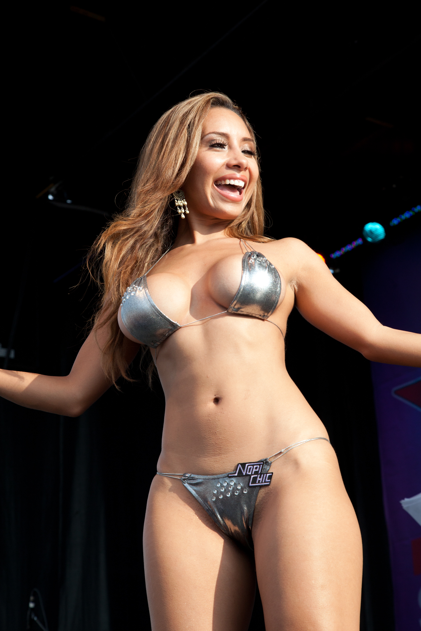 File:Hot Import Nights bikini contest 26.jpg