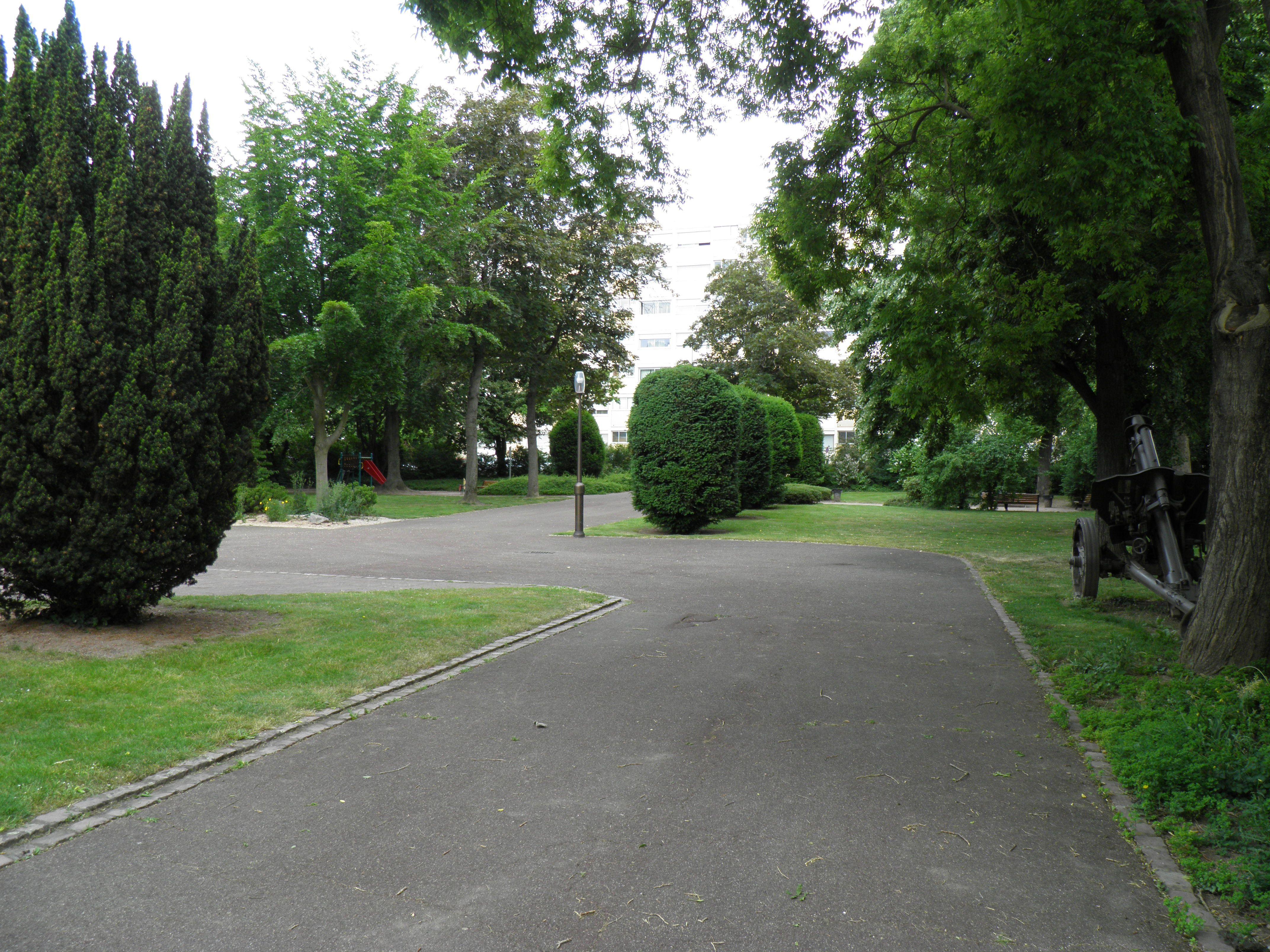 File Jardin du souvenir fran§ais Colmar 4 JPG Wikimedia mons