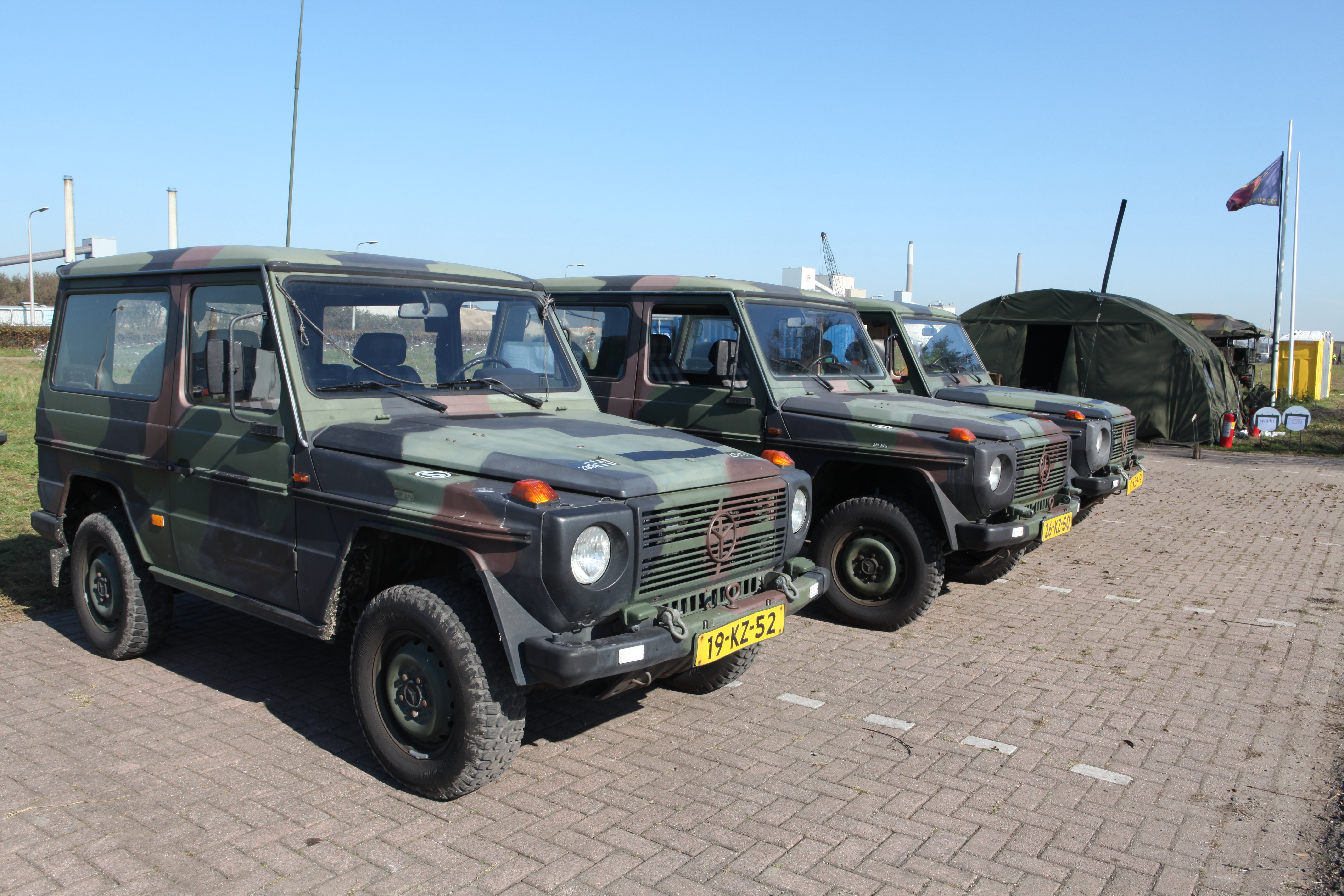 File mercedes benz 290 gd royal netherlands army flickr for Mercedes benz nl