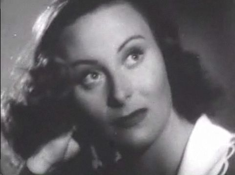 http://upload.wikimedia.org/wikipedia/commons/3/39/Michele_Morgan_in_Joan_of_Paris_4.jpg