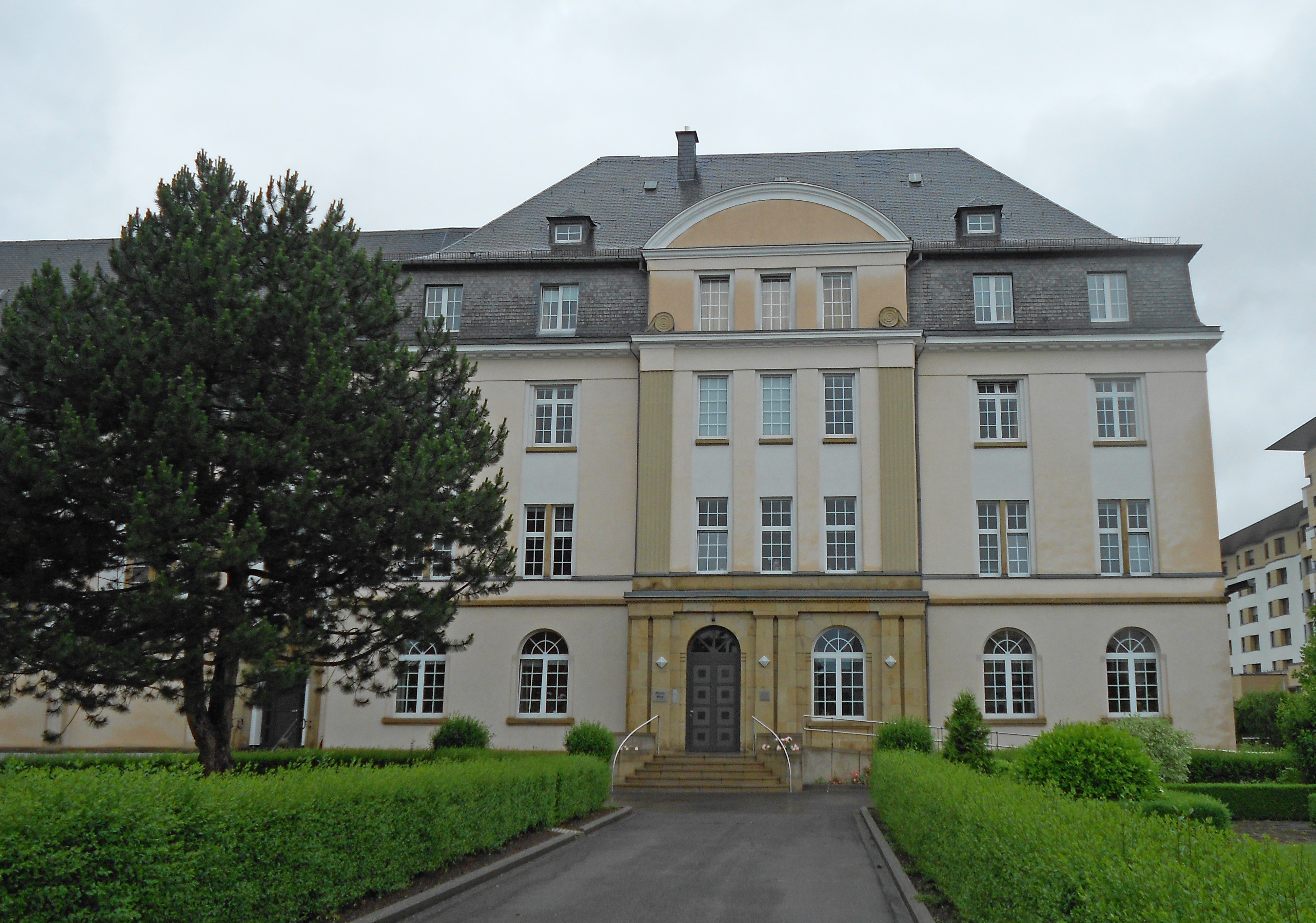 File mother house of the franciscan nuns belair for Luxembourg house