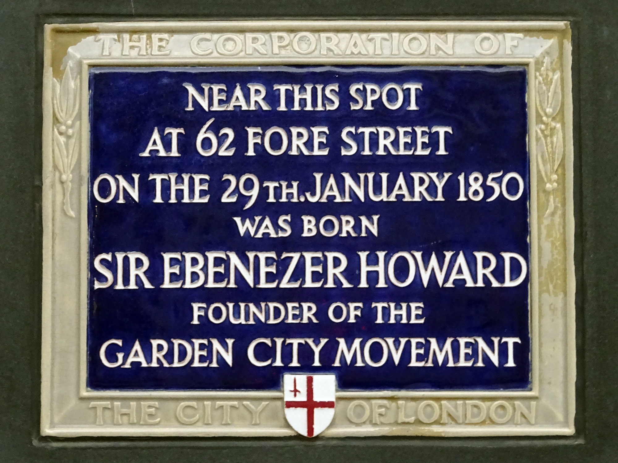 Near this spot at 62 Fore Street on the 29th January 1850 was born Sir Ebenezer Howard founder of the Garden City Movement.jpg