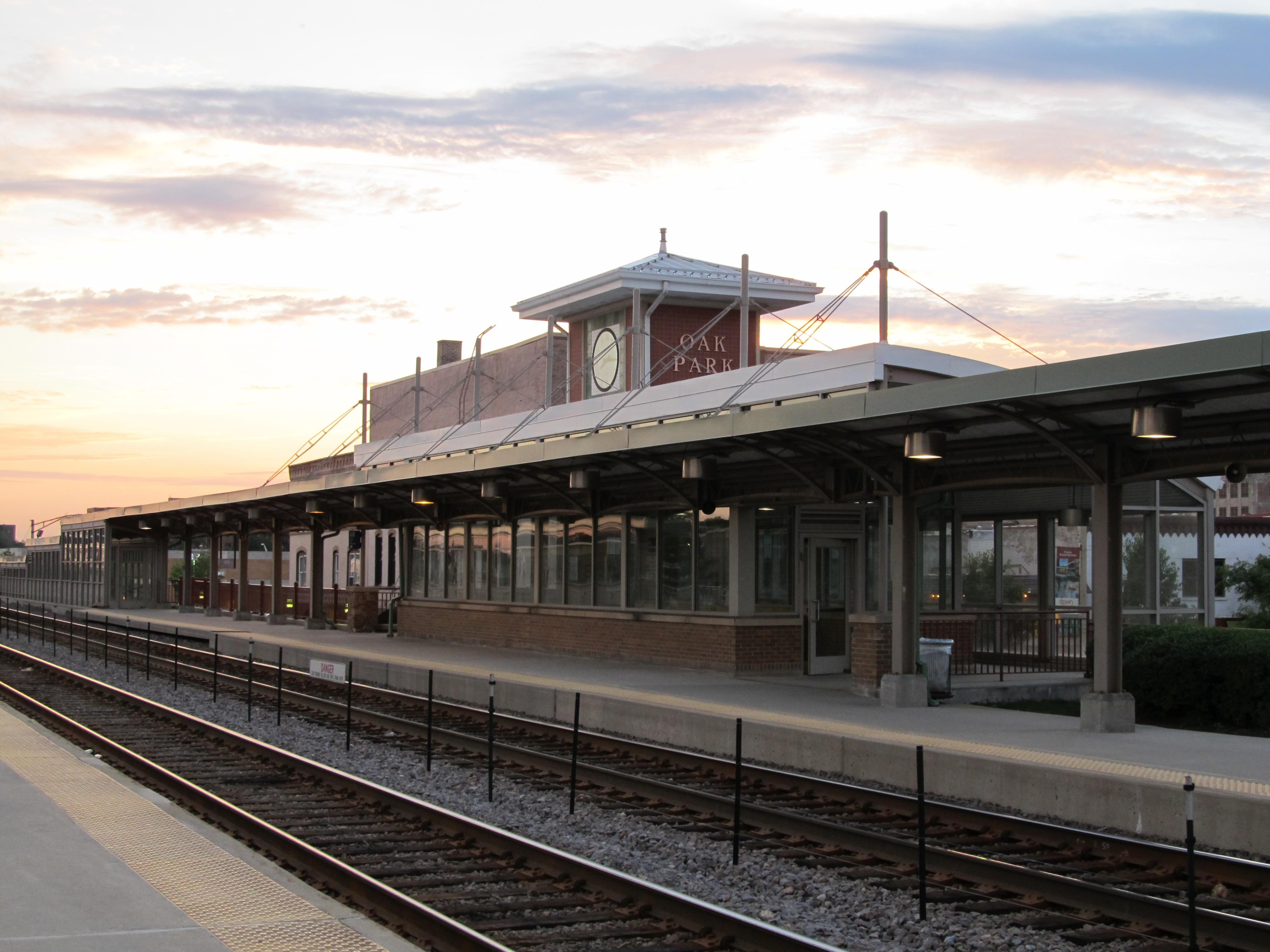 Oak Park station - Wikipedia