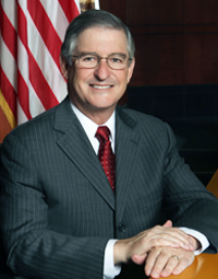 Official City Portrait of Larry Agran.jpg