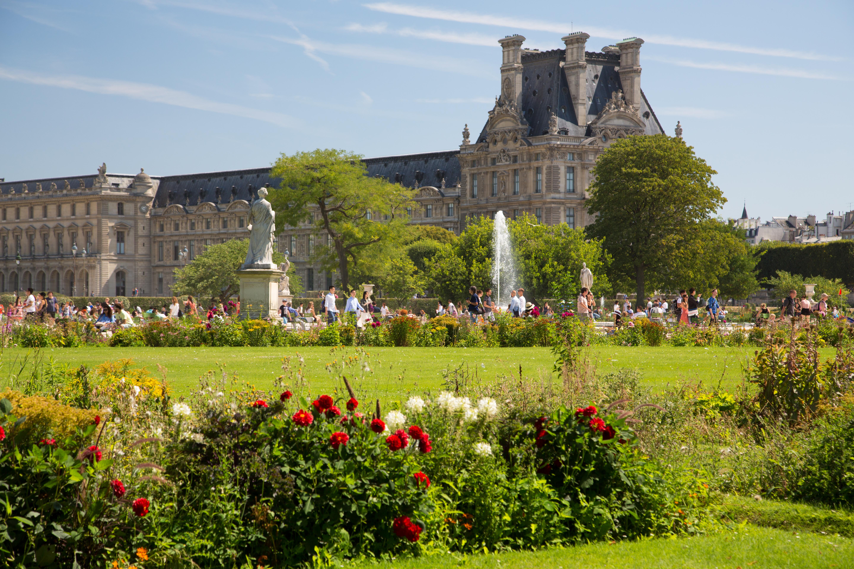 Garden in august in a garden - File Pavillon De Flore From The Tuileries Garden Paris 2 August 2015 002