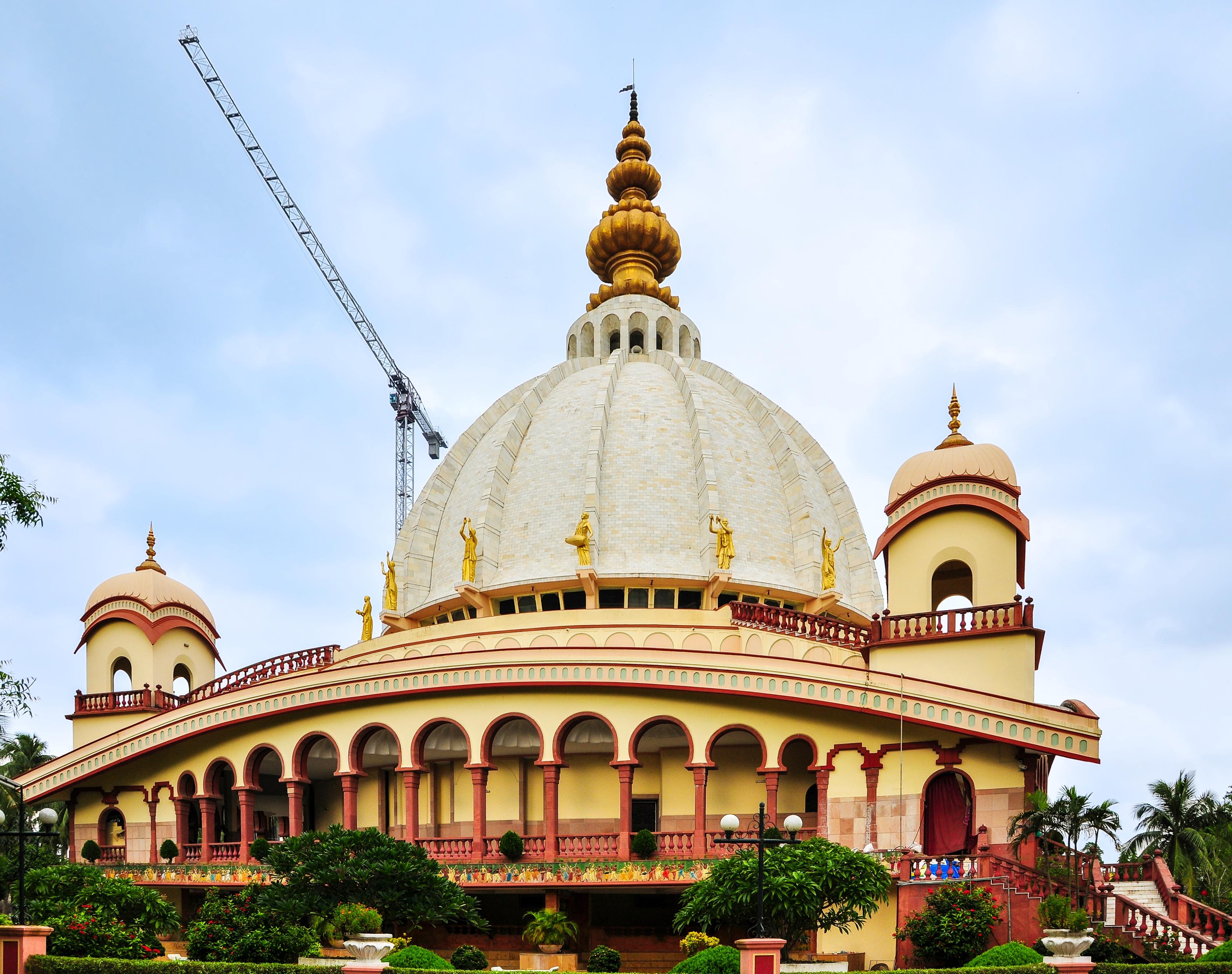File:Samadhi Mandir of Srila Prabhupada, Mayapur 07102013 04 jpg