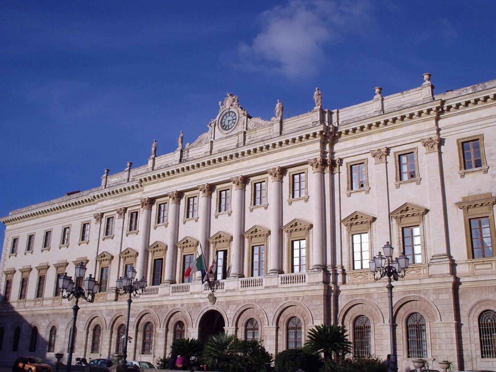 Italia palazzi delle provincie d 39 italia r z for Be italia