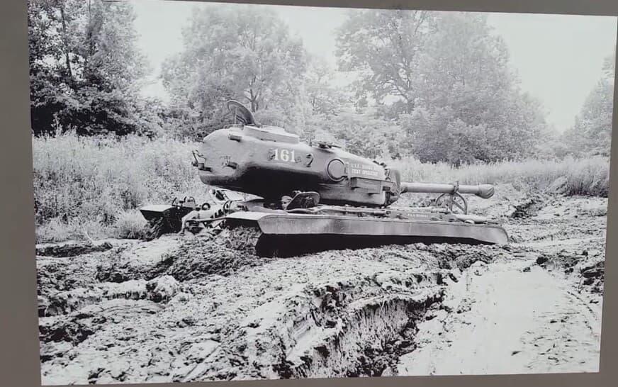 T30_Heavy_Tank_in_Aberdeen_1947.jpg