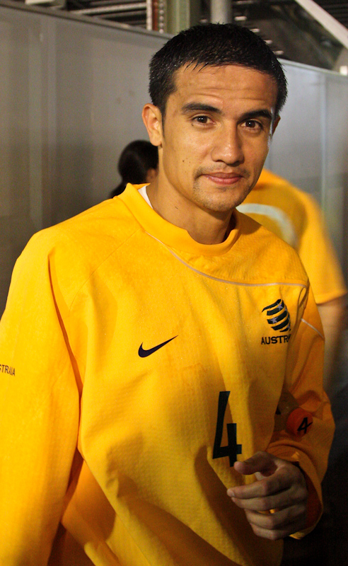 The 38-year old son of father Tim Cahill Snr. and mother Sisifo Cahill, 178 cm tall Tim Cahill in 2018 photo