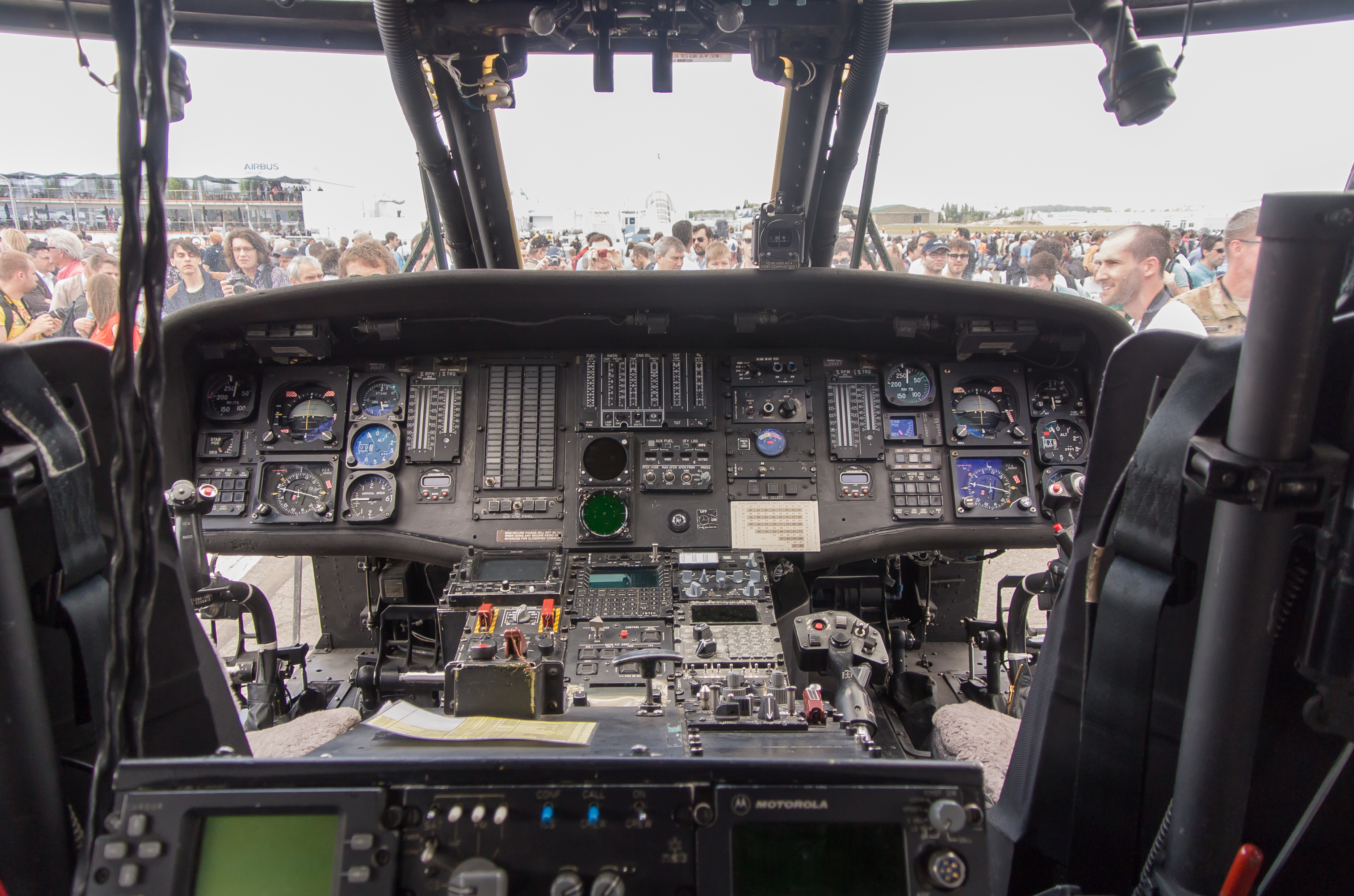 helicopter inside view with Uh 60 Cockpit on 100509 further Image2 likewise 175771649 besides Air Force One 0 additionally 20 Photos La Maison De Donald Trump Plus Belle Que La Maison Blanche Regardez Ce Luxe Insolent.