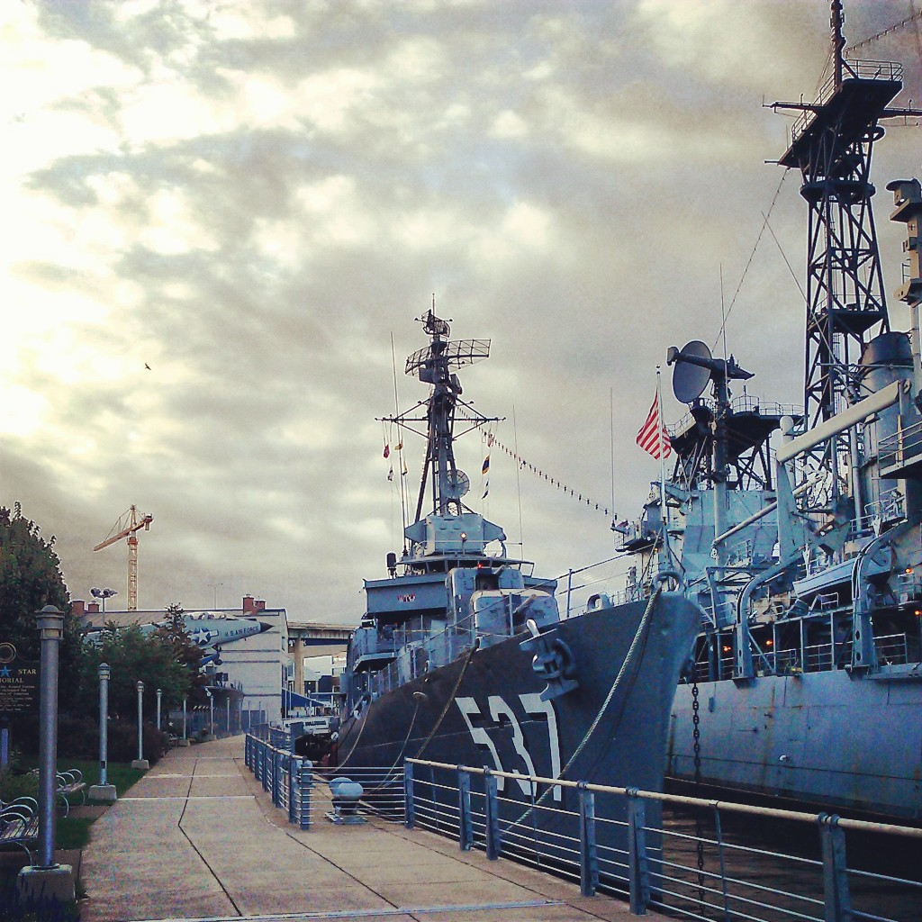 USS_THE_SULLIVANS_%28destroyer%29_2013-09-22_07-37-32.jpg