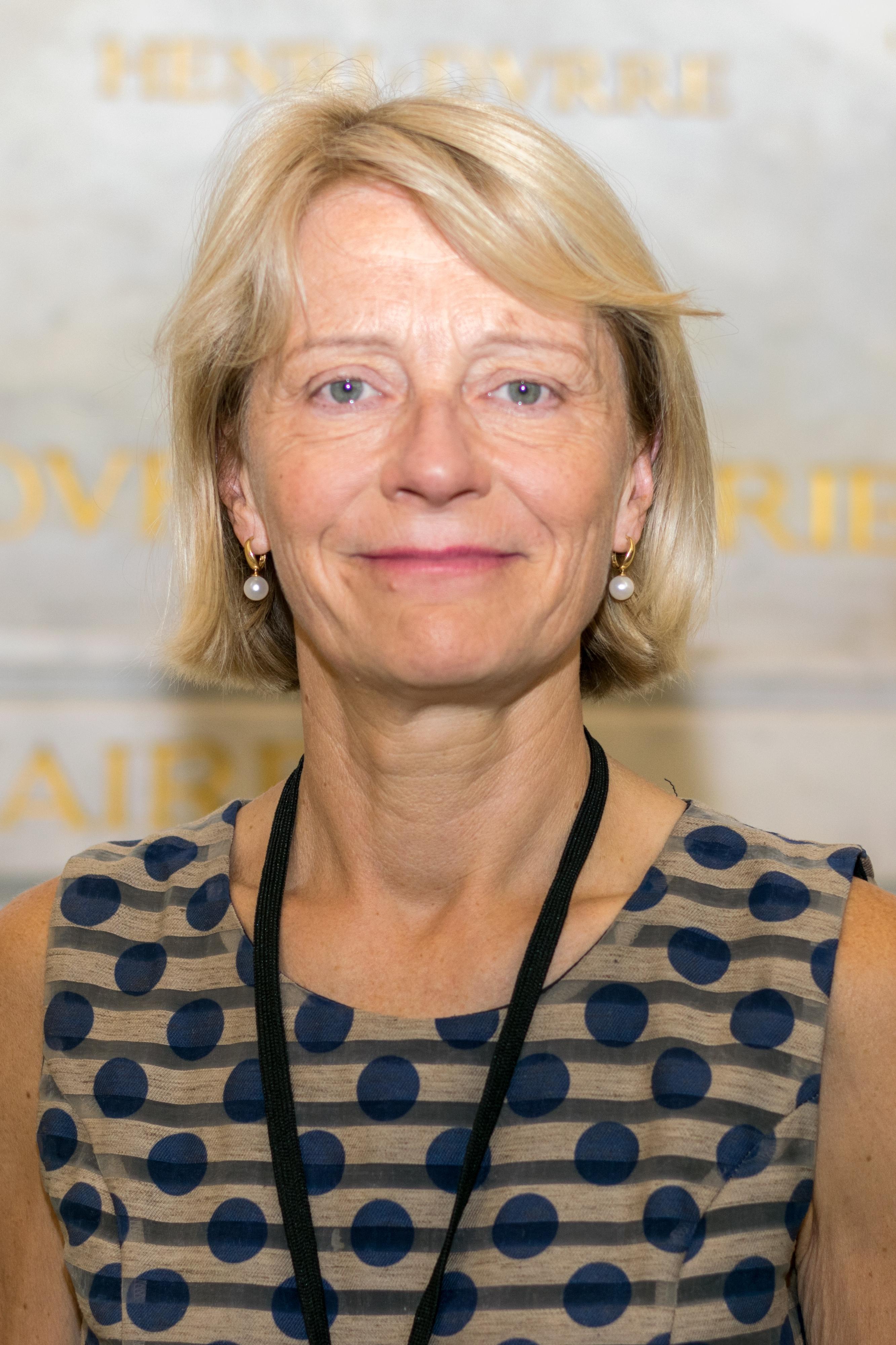 Datei:Véronique Louwagie (cropped).jpg – Wikipedia