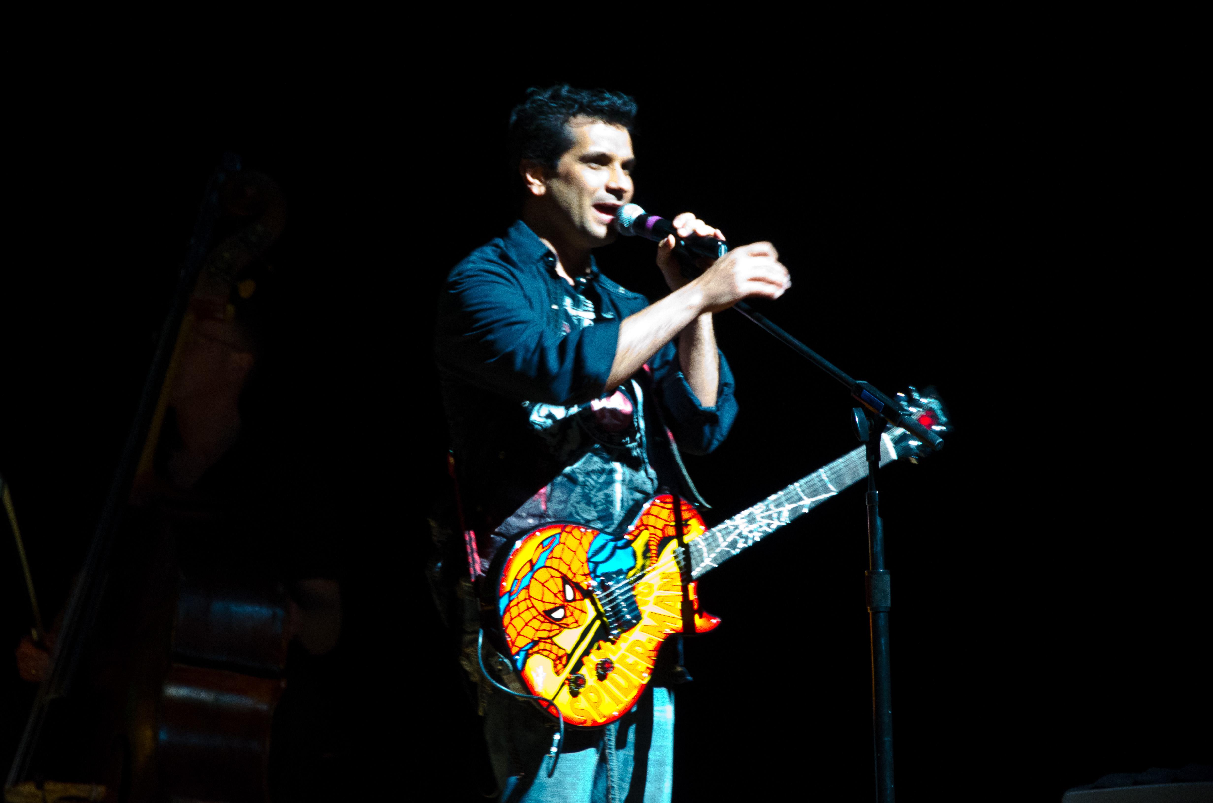 Video Games Concert DSC 0330 (5531080630).jpg DSC_0330 Date 26 February 2011, 16:16 Source DSC_0330 Author Warren In the Weeds