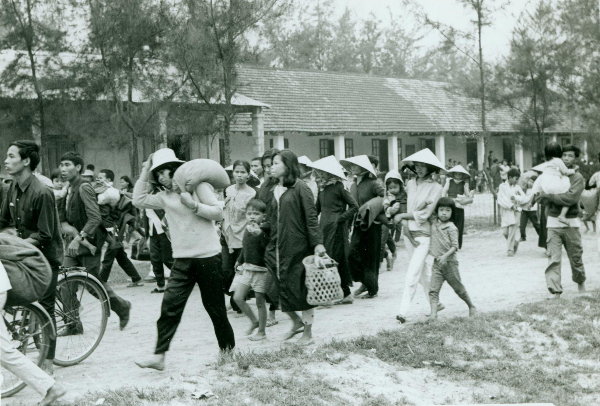 vietnamese refugees in america When american troops made a chaotic, embarrassed withdrawal from vietnam in  april 1975, the flood of terrified vietnamese refugees to.