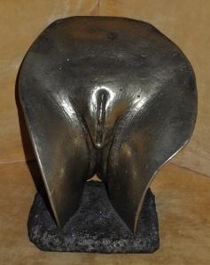 Bild der Skulptur 'Vulva D'oro' von Cornelius Richter