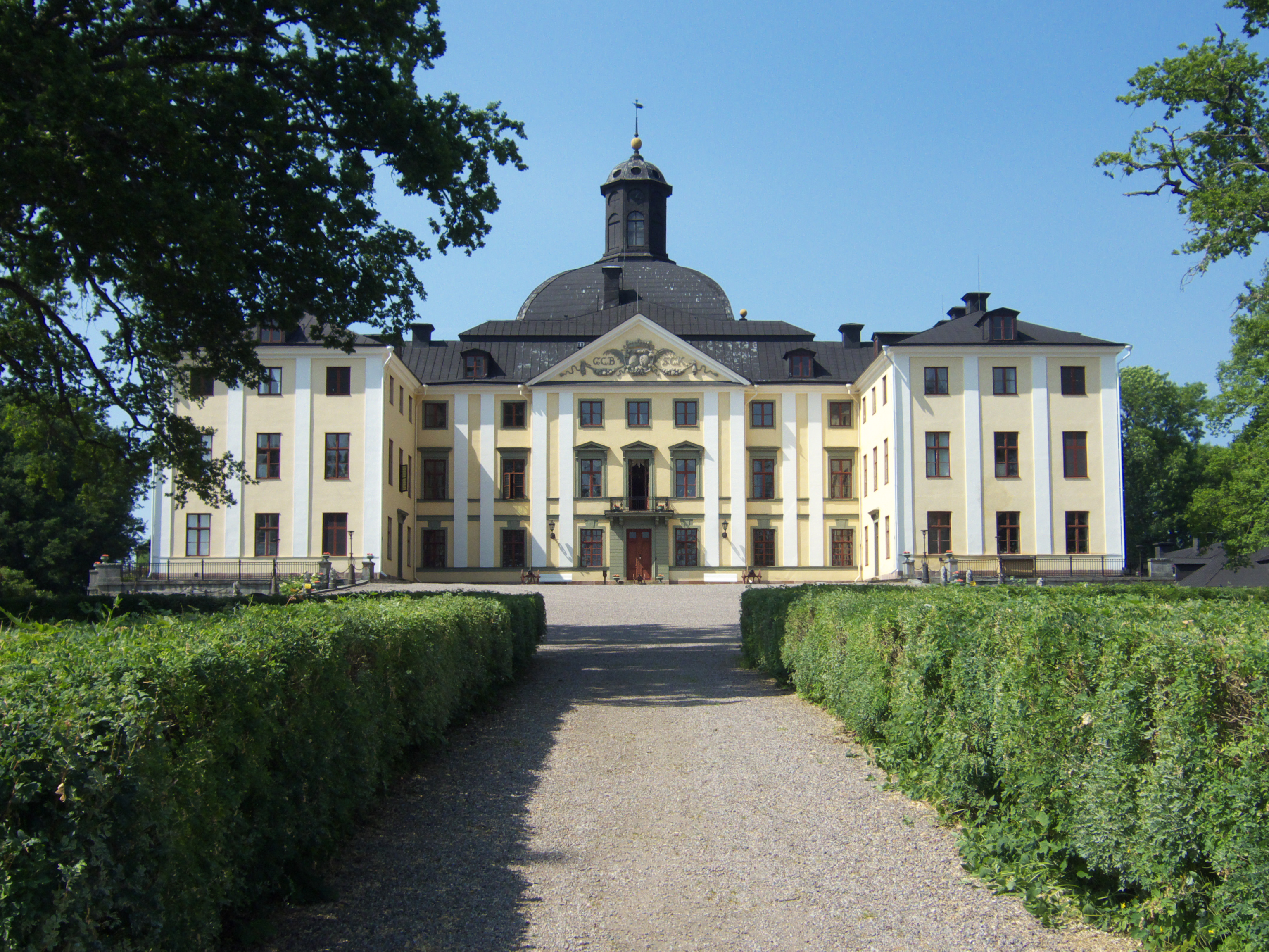 rbyhus Castle - On a Boat Productions