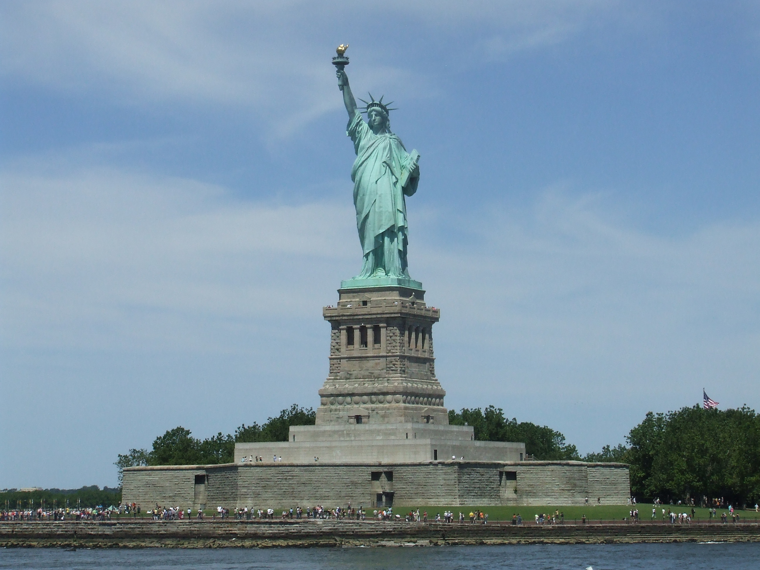 New york statue of liberty and city